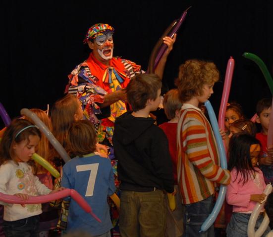 Clown-Zauberer Parastou